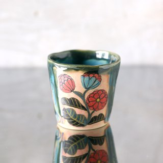 Hand twist cup · chrysanthemum and running water pattern