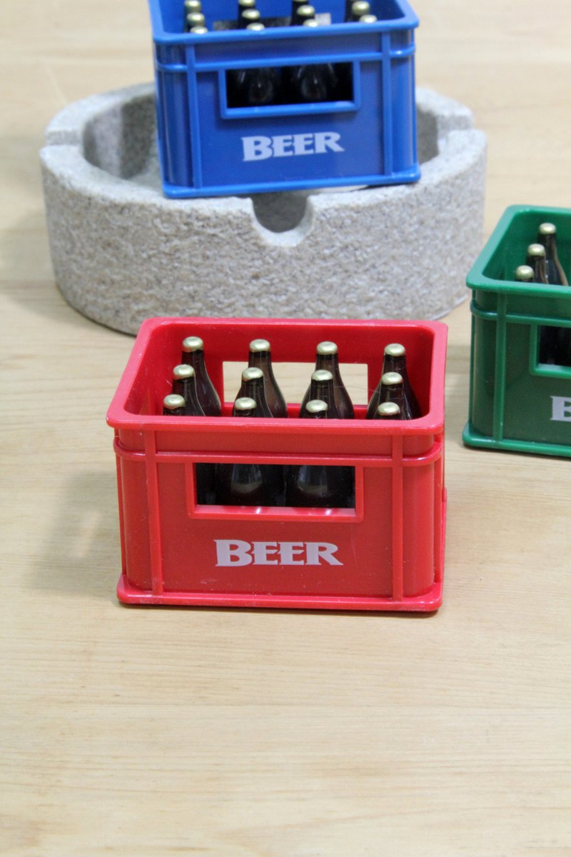 Temerity Jones Fun Beer Box Shaped Refrigerator Iron / Open Can Combined Magnet (Red)