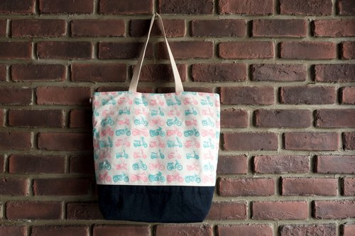 Denim canvas retro locomotive illustration package <tote bag / shoulder bag>
