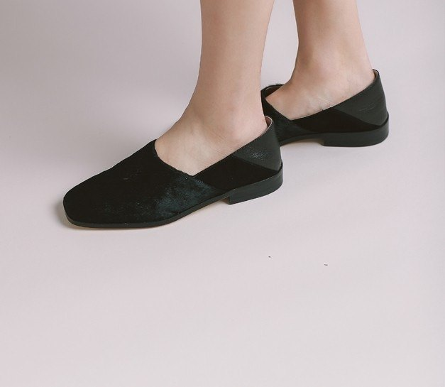 [Show products clear] slant structure stitching square head rate slipper leather shoes black