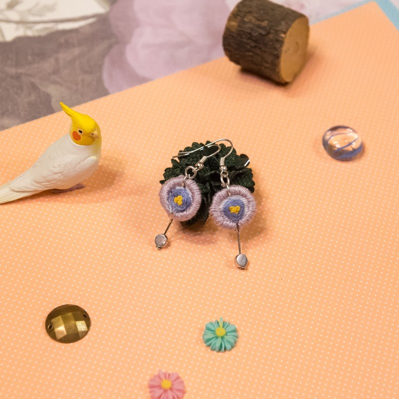 【Embroidery Accessories】Light purple Flower Earrings/Ear clips (in pair)