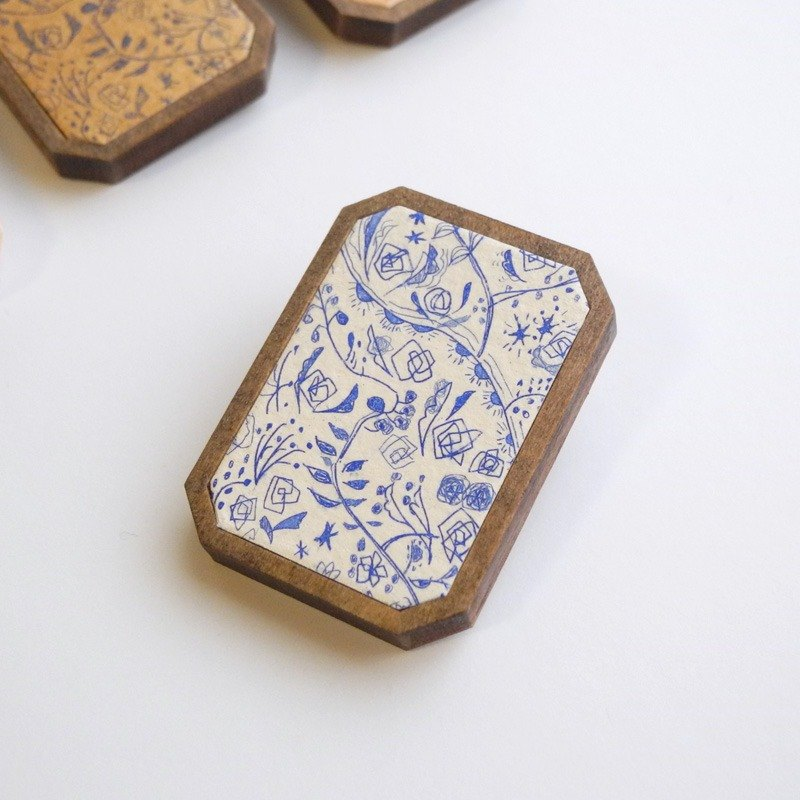 Copper engravings and wood brooch <Wildflowers> Cream × Blue