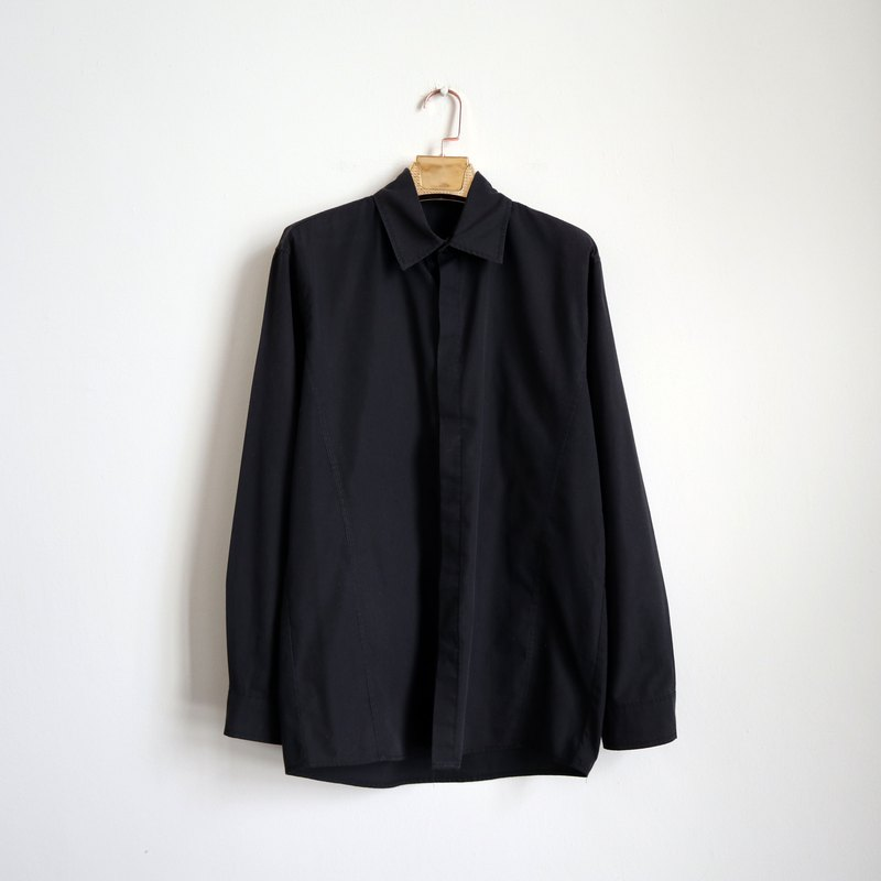 Pumpkin Vintage. Ancient black plain long sleeve shirt