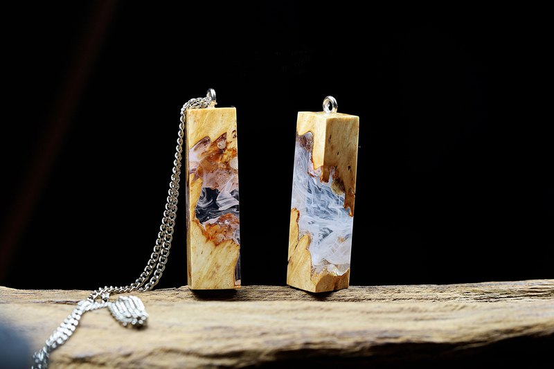Wonder burl wood necklace - wood two sides