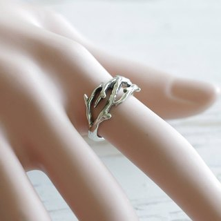 Ring Minimal thorn crown handmade lady women Girl silver modern minimalist thin