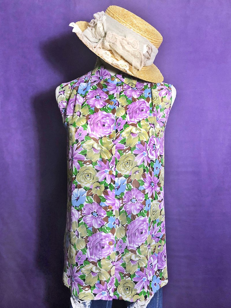 Floral chiffon sleeveless vintage shirt / brought back to VINTAGE abroad