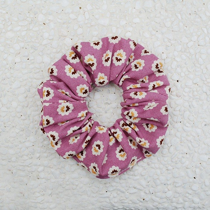 Small Floral Bunches _ pink purple / large intestine donut hair ring