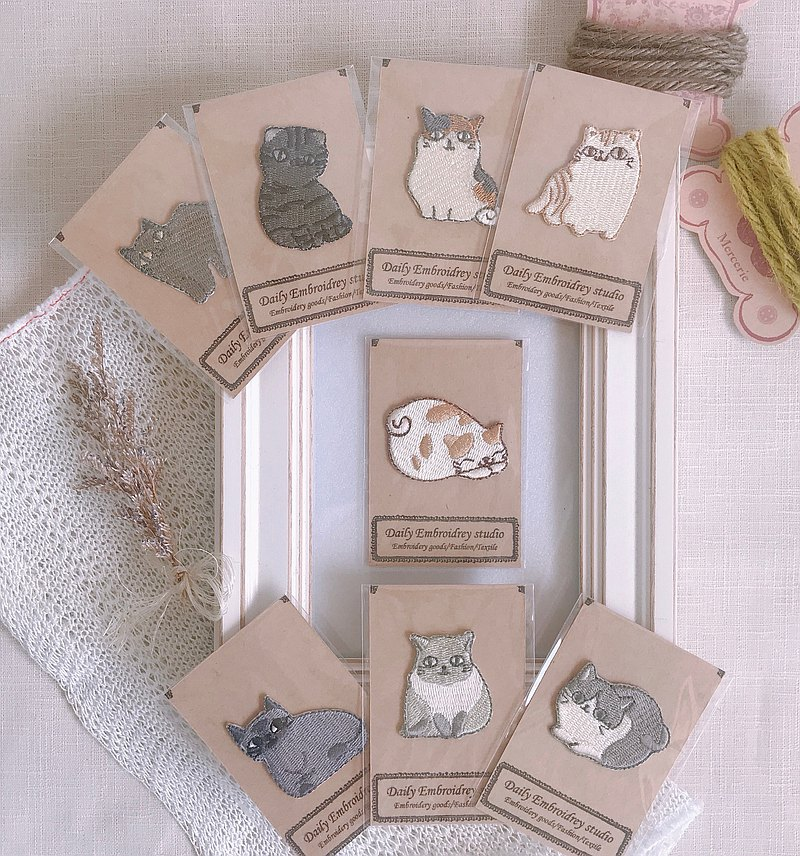 DE studio / Design embroidered cloth stickers / Cute cat master embroidery