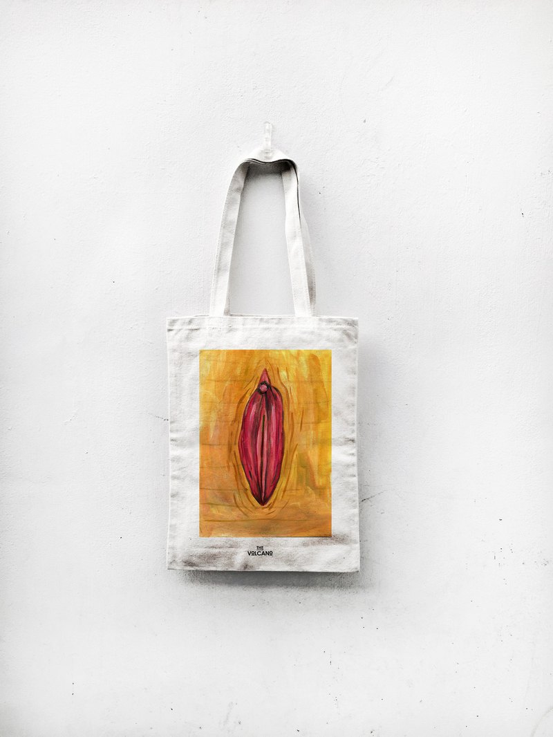 Tree lip closed tote bag