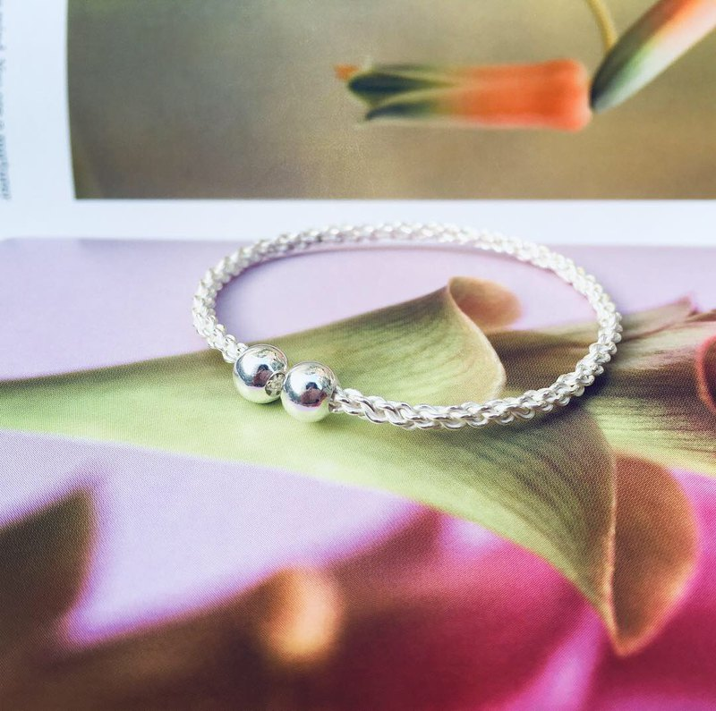 925 sterling silver delicate and compact [silver woven mobile bracelet]