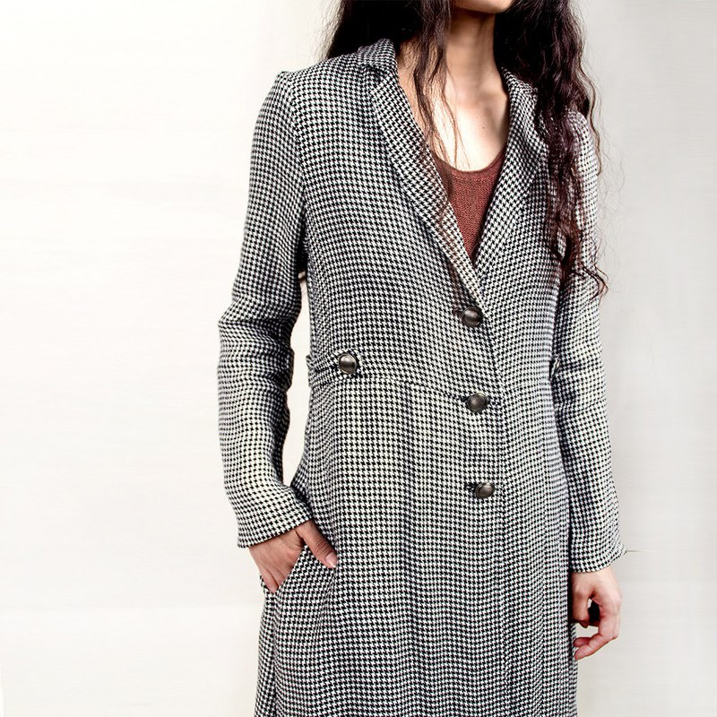 Long linen houndstooth coat