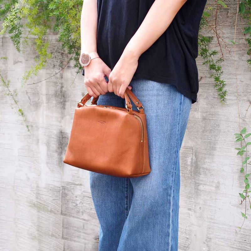 Japanese light mature woman beautiful side back / hand bag Made in Japan by Baggy Port