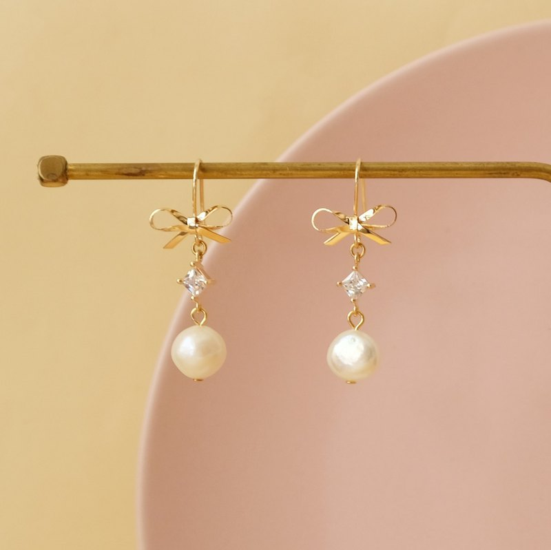 ALYSSA & JAMES Bow Zircon Natural Pearl Earrings