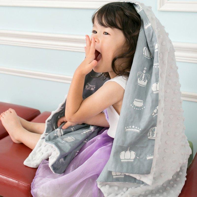 Minky多功能 點點顆粒 攜帶毯嬰兒毯冷氣毯被 灰色-皇冠