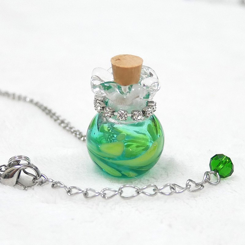 Mint Green Transparent Feather Pattern Glass Blown Scented Bottle Necklace