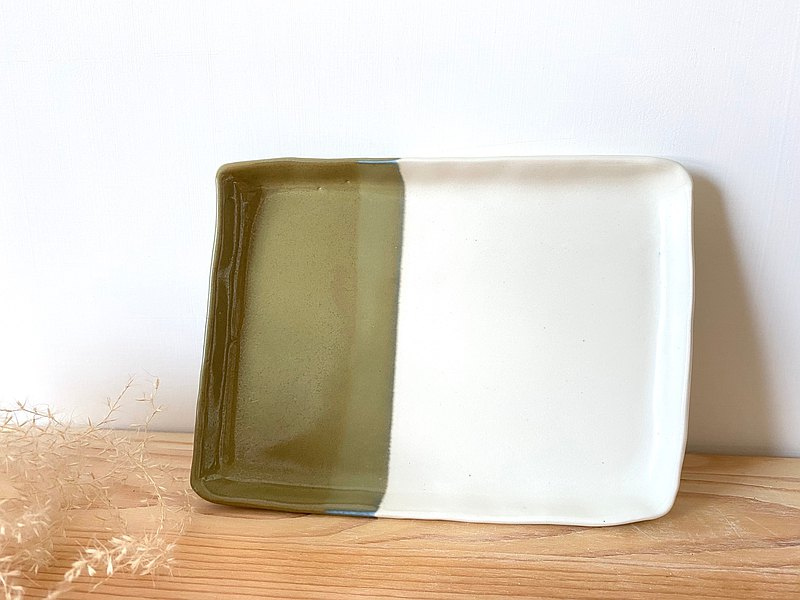 Handmade Pottery Plate (Square)-Matcha Green