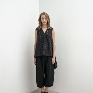 Swing V-neck dot. Cotton irregular vest - black. Spring and Summer | Ysanne