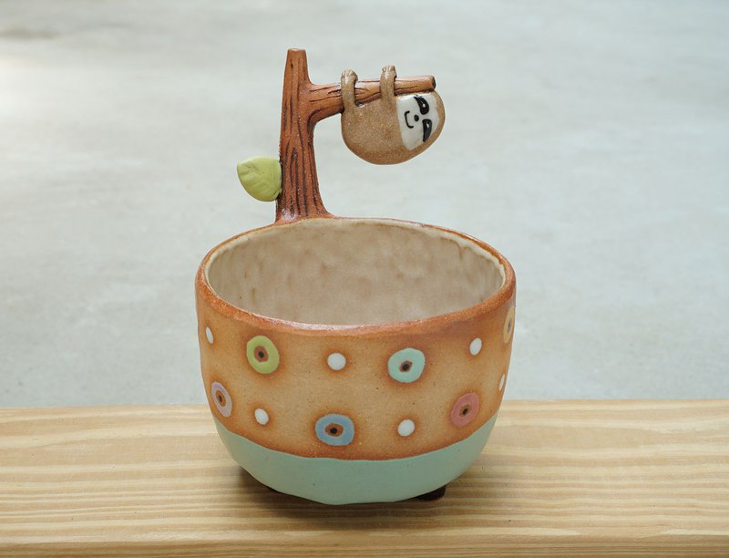 Sloth plant pot , handmade ceramic.