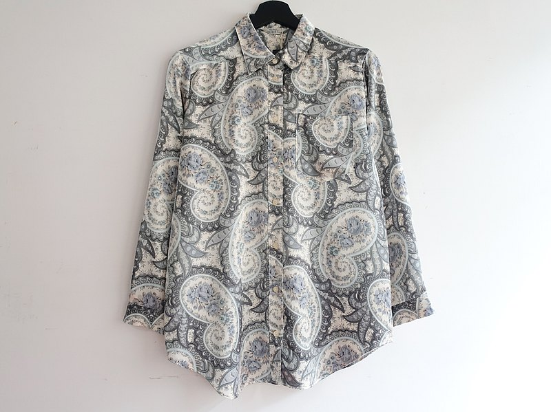 Awhile moment | Vintage long-sleeved shirt no.257