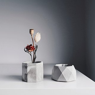 THE CENTENARY Concrete multi-use holder with brass (for Candle,Incense,Plant)