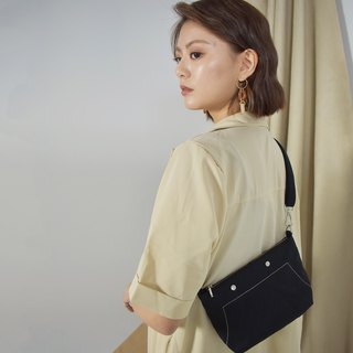 Small cross-body bag 肩 shoulder bag 侧 side backpack