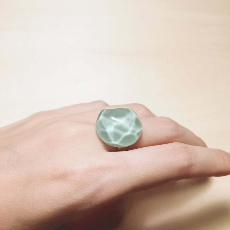 Vintage Bean Green Water Wave Ring