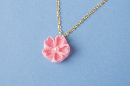 Hangaragaku cherry blossom necklace One grain knife work