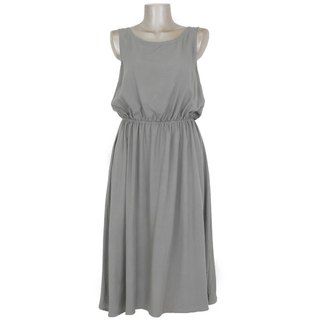 Rear View is cute! Back ribbon browsing Dress <gray>
