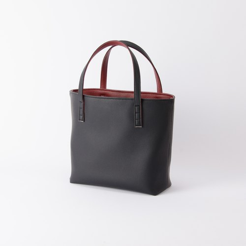 Inside and outside the two-color flip handbag Black X Burgundy