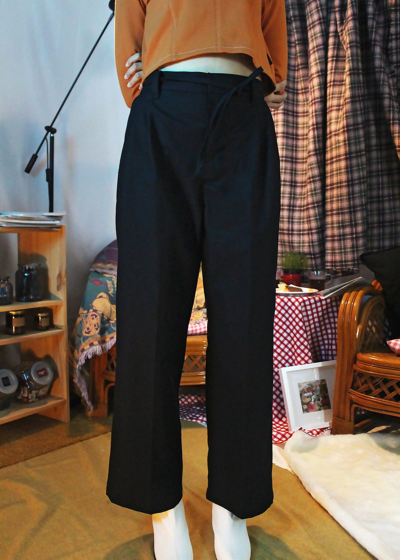 Multi-pleated wide trousers - black