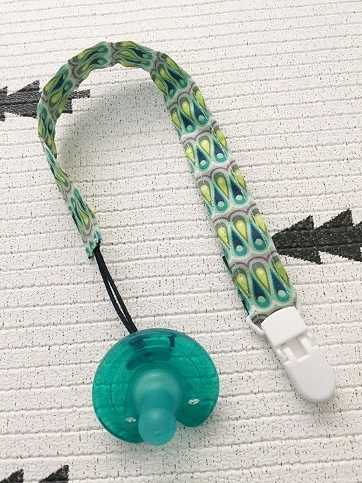 haiquish folk feng shui nipple chain / handkerchief folder / toy chain