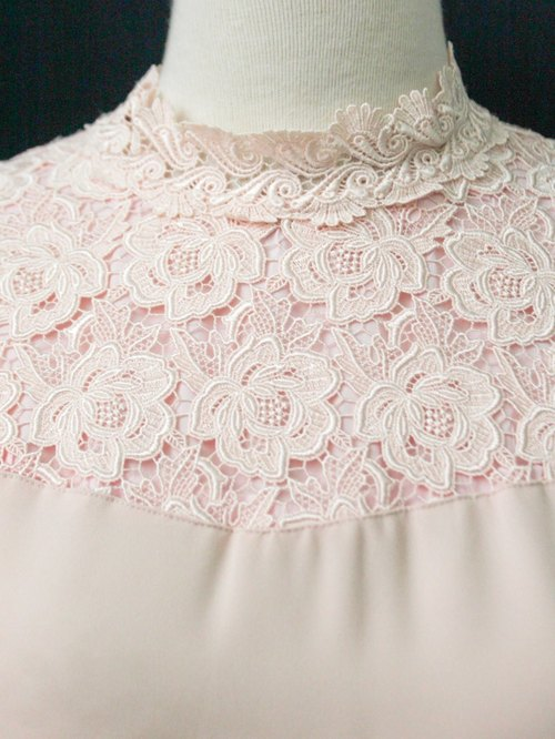 【RE0511T1996】 Japanese palace court retro lace flower splicing pink long-sleeved ancient shirt