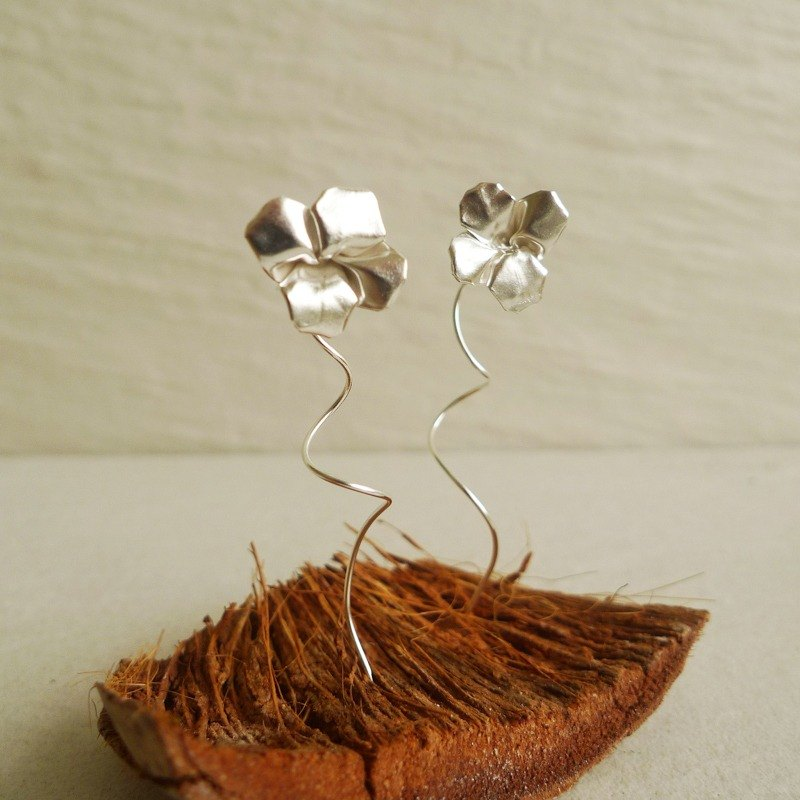 Origami Clover Earrings in Sterling Silver / Plant Earrings