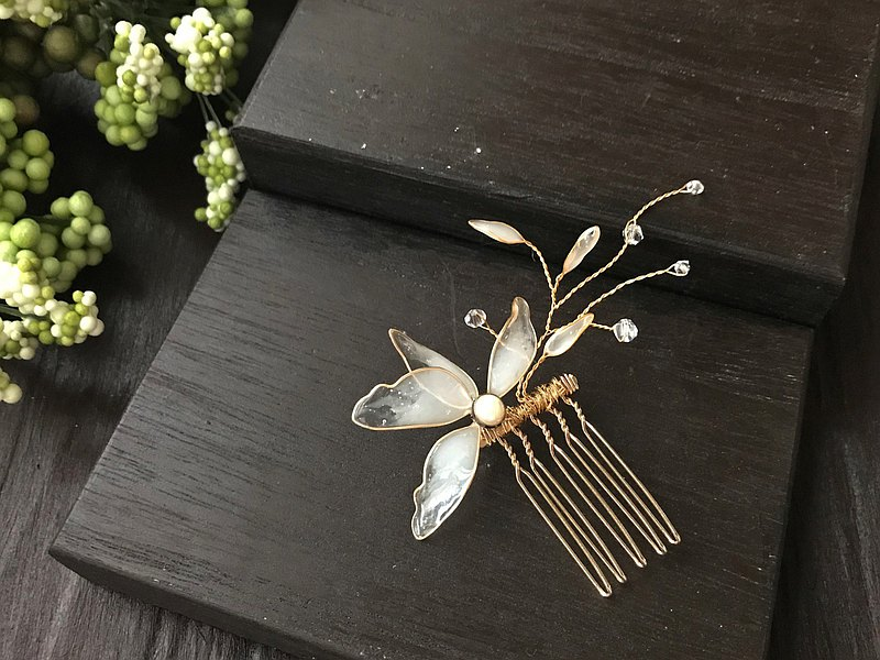 Flora Crystal Butterfly Hair Fork/Gold