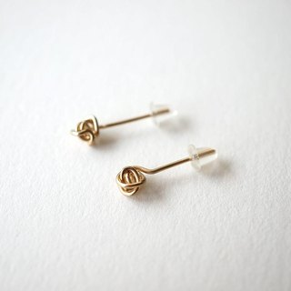 Crumple pierce 14kgf earrings