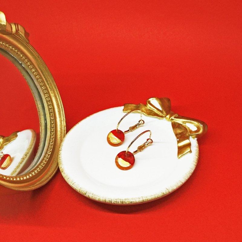 Mirror Mirror of Time - Golden Red (circle earrings ear pin / small size) hand painted / Geometry / circle