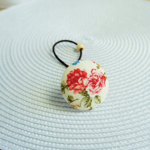 Lovely [2 small roses buckle elastic hair bundle] beige bottom