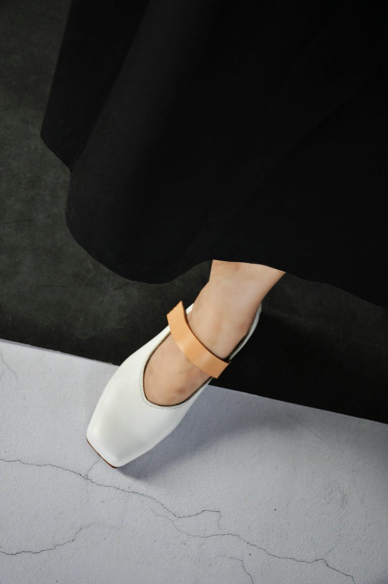 Hand-made vintage white ballet leather shoes with leather soles