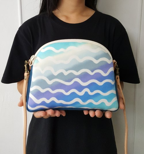Sea Wave Japan Imported Cotton ~ Shell Crossbody / Shoulder Bag (Leather Shoulder Strap)