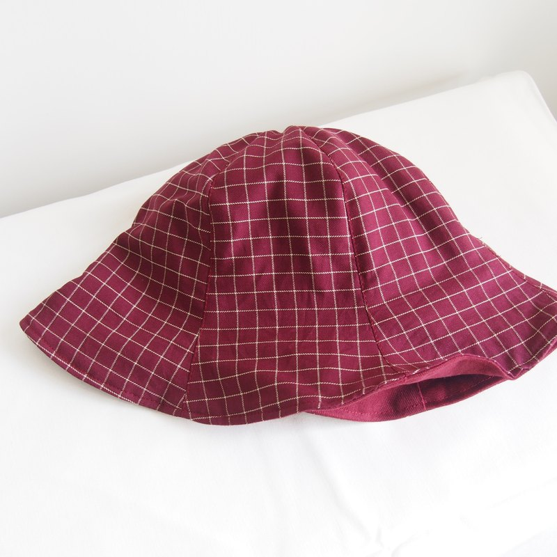 Dark red wild grid combination manual double-sided hat fisherman hat