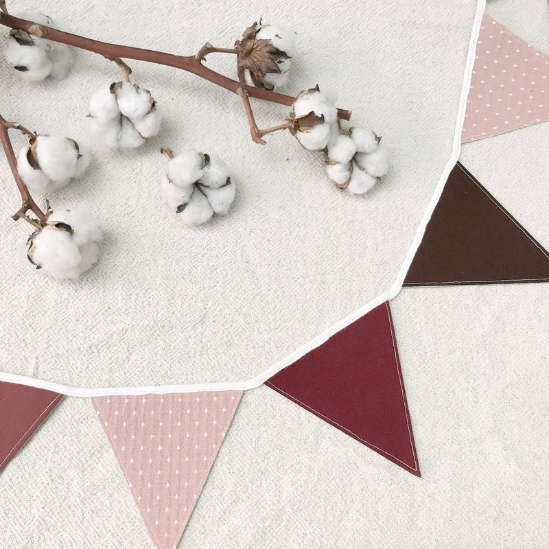 Pink little triangle flag home decoration