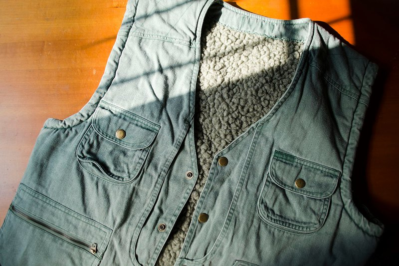 Dark Lake Green. Camping Climbing Multi Pocket Hunting Vest / Pearl Grey Bristles / Blue Green Outdoor #vintage # Vintage # Wando