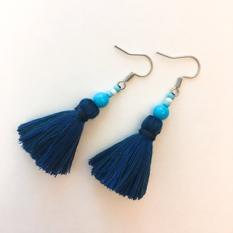 Light blue x dark blue beads tassel earrings ear pin / ear clip