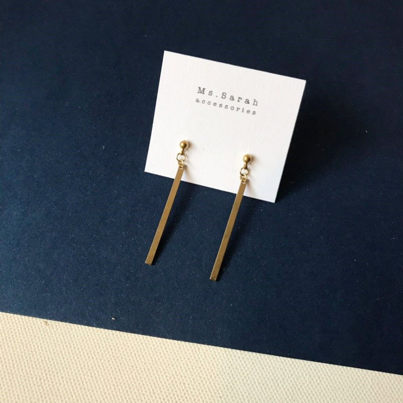 Brass earrings _ straight line (can be modified)