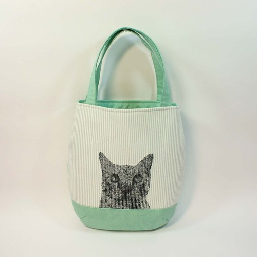 Embroidery handbag 01- cat