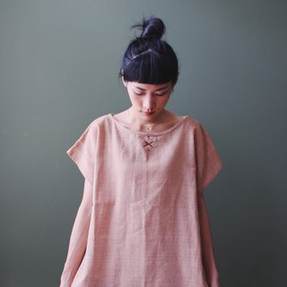 Omake Remake cotton and linen loose neckline hand-embroidered tops pale pink orange