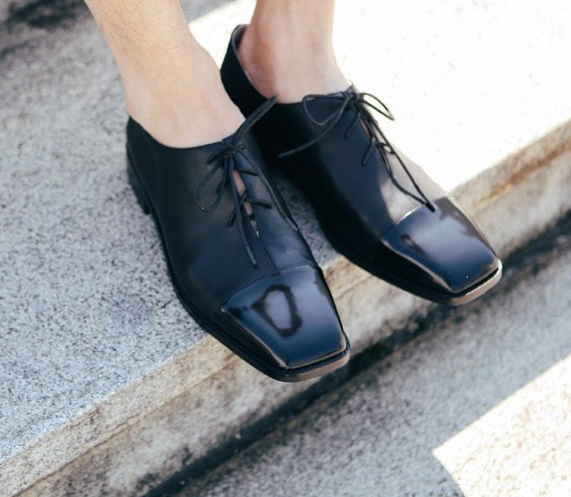 [Show products clear] minimalist square personality strap leather shoes Oxford black mirror stitching men