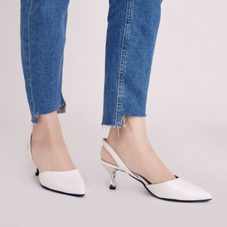 Hepburn Kitten! After the hollow retro small pointed shoes white and white full leather MIT