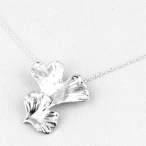 [I design] 999 sterling silver pendant necklace double-leaf ginkgo (small section) (N14114)