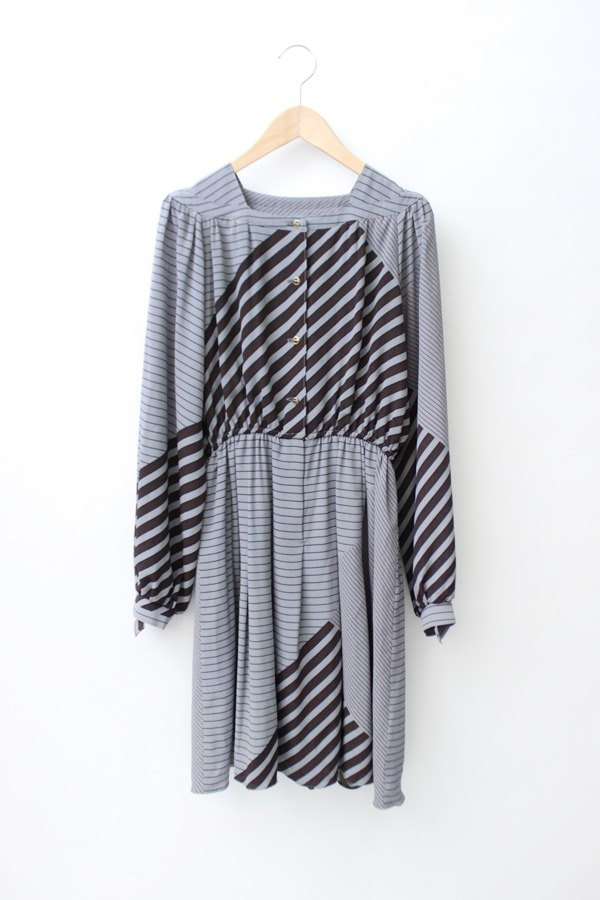 [RE0921D891] autumn brown geometric stripes on gray long-sleeved vintage dress